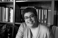 Headshot photograph of Gloria Gratacos